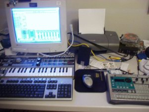 This was my setup in 2005.  I was incredibly messy back then. Just looking at all that clutter gives me the jibblies now.